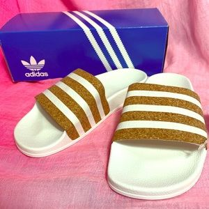 🔵Adidas lovely sandals 🔵